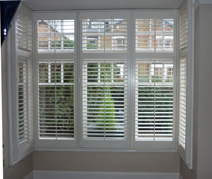 Bay-window-shutters-White