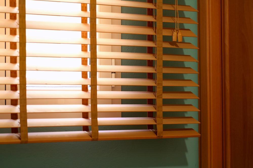 wooden-venetian-blind